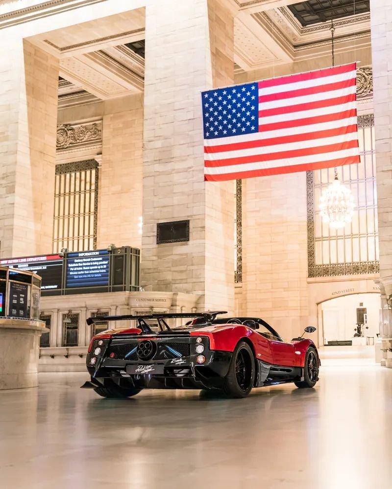 Pagani превратили вокзал Нью-Йорка в выставку суперкаров