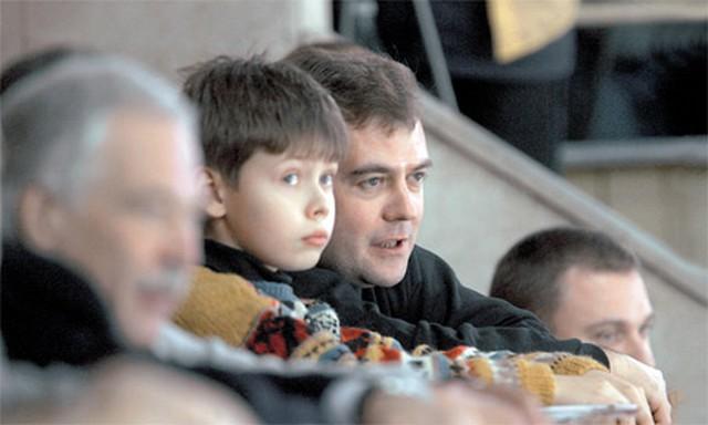 Как выглядит сын Дмитрия Медведев?