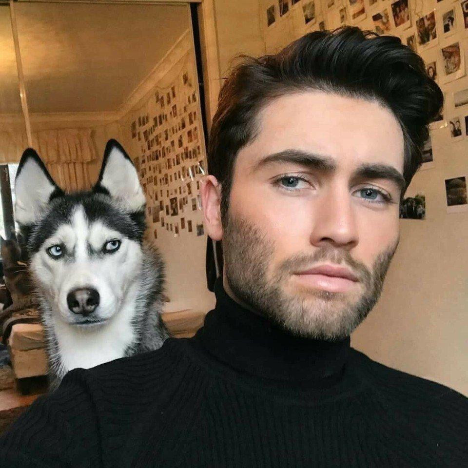 Пес копирует мимику хозяина