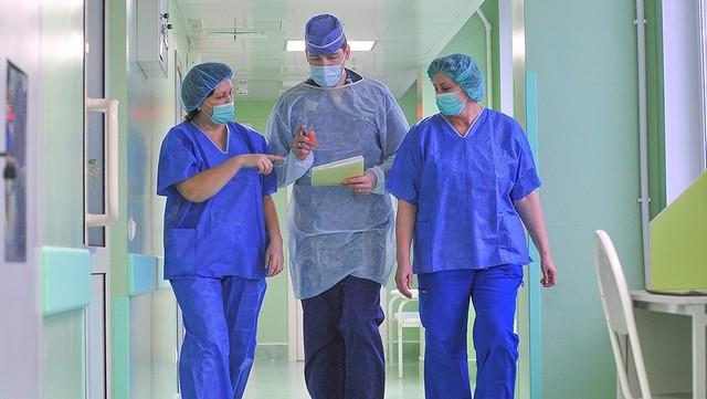 Стала известна средняя зарплата российских врачей