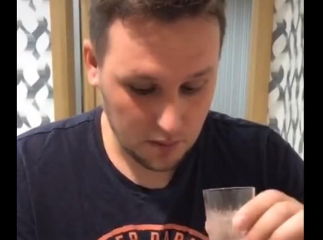 Доходчиво объяснил, почему не стоит бросать пить