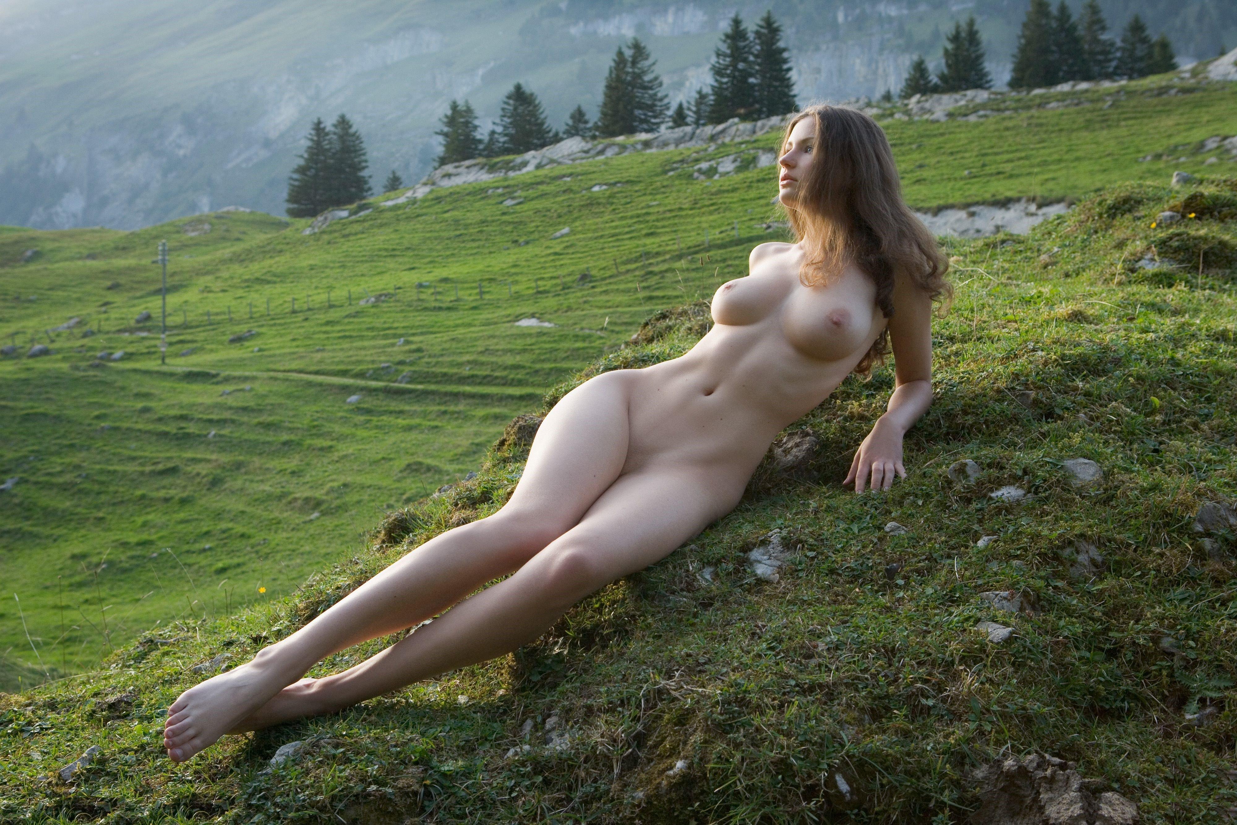 naked-skotland-girls-world
