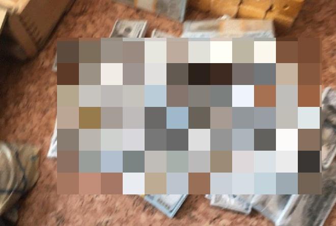 У преступника в Улан-Удэ нашли тротил и огромное количество денег