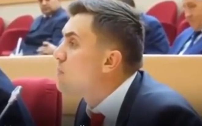 Недовольный депутат устроил скандал в Саратовской областной думе