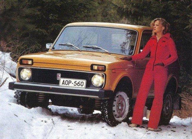 Красивые рекламные плакаты с советскими машинами