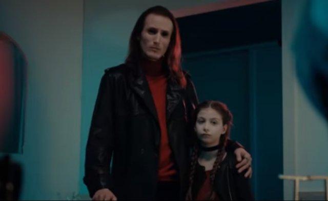 Врачи сняли ролик про антипрививочников, используя в качестве персонажей вампиров