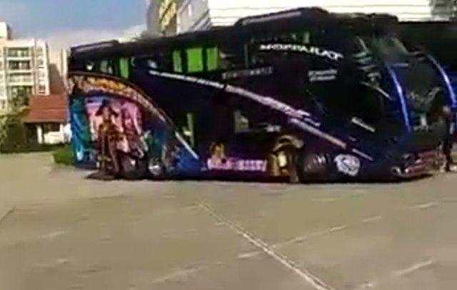 """""""Немного"""" тюнингованные автобусы"""