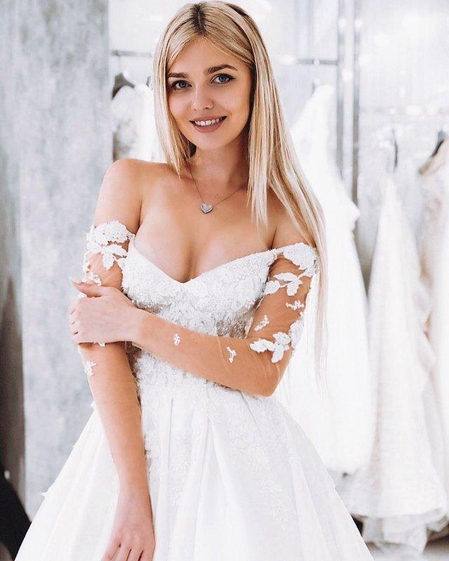 «Мисс Львов – 2018» затравили за поездку в Москву