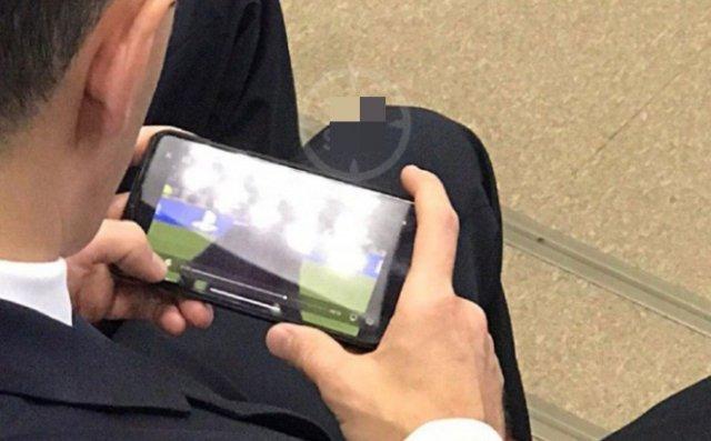 Министр спорта Татарстана смотрел футбол во время выступления главы Минспорта РФ
