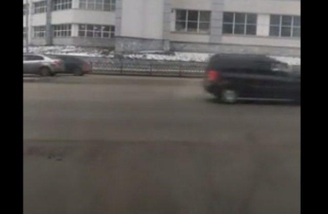 На Урале водитель скорой помощи возвращает веру в человечество