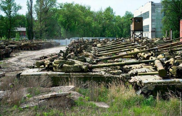 Красивые фотографии заброшенного бронетанкового завода в Харькове
