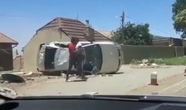 Нормально припарковались