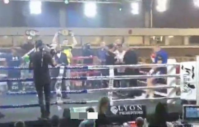 Бывший спарринг-партнер Кличко Руанн Виссер свалился с ринга и снялся с боя