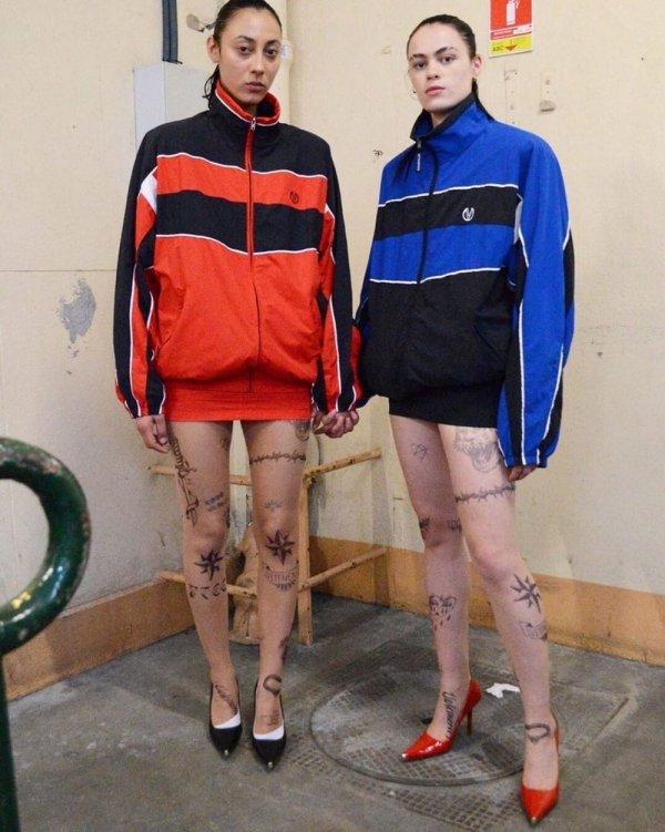 Новый модный тренд для девушек -колготки с тюремными наколками