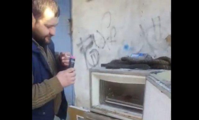 Хлопушка против холодильника - видео с ожидаемым концом