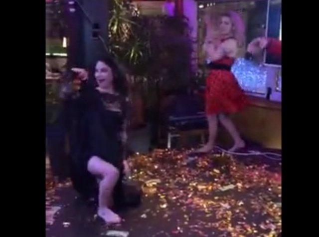 """""""Эротические"""" танцы на корпоративе"""