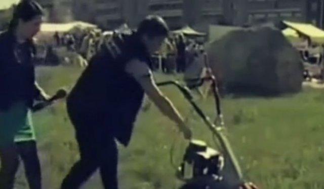 Неудачная демонстрация работоспособности газонокосилки