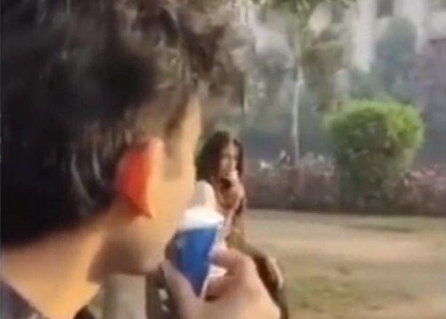 Индийское знакомство с забавным финалом