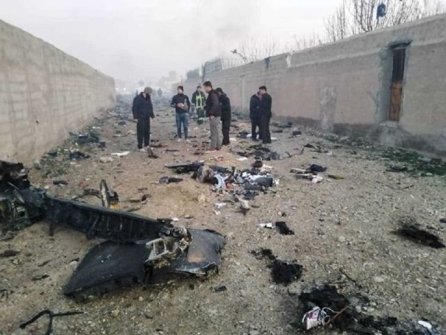 Разбившийся в Иране Boeing загорелся до столкновения с землей