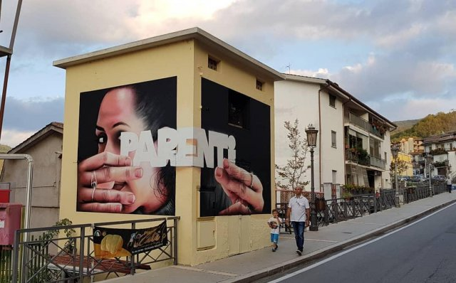 На эти граффити стоит смотреть внимательнее