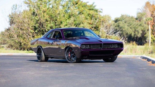 Dodge Challenger Hellcat в кузове из углеродного волокна и дизайне классического Charger