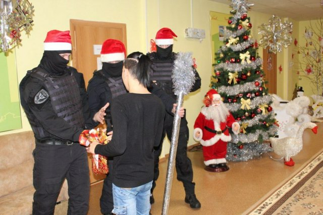 В Ямало-Ненецком автономном округе спецназовцы пришли в детский дом