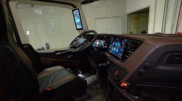 Как выглядит новейший КАМАЗ-54907 изнутри