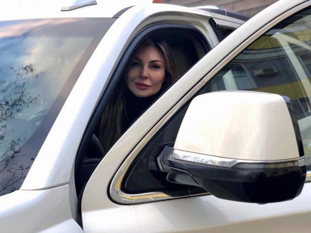 Наталья Бочкарева продает машину, после скандальной истории с наркотиками