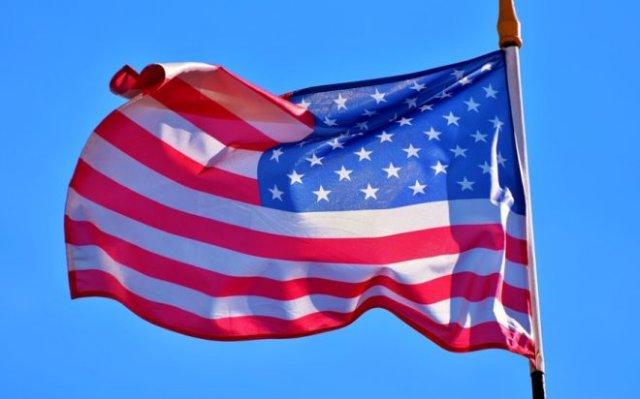 По территории американского посольства в Ираке ударили три ракеты