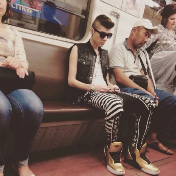 Модные ребята из метрополитена