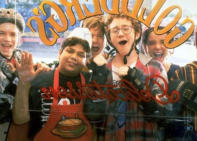 Звезду популярного фильма «Могучие утята» 90-х годов Шона Вайса арестовали за проникновение в чужой