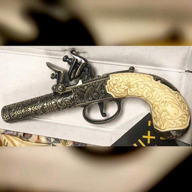 Транспортная полиция США показала предметы, конфискованные в аэропортах