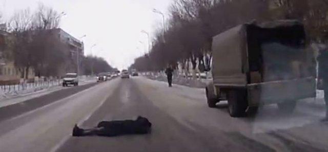Неудачная попытка подставить водителя на дороге