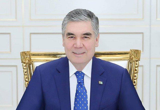 В Туркменистане чиновникам старше 40 лет запретили закрашивать седину