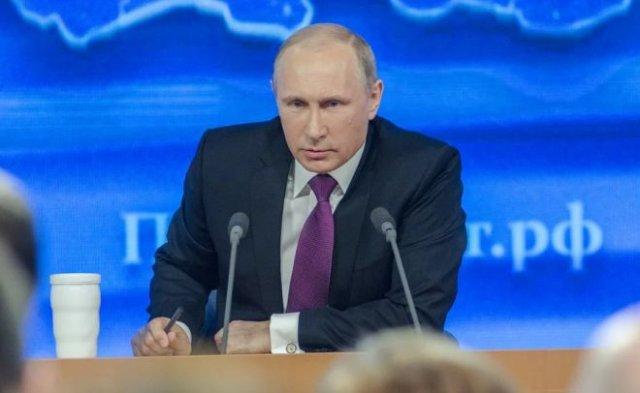 У всех посетителей Владимира Путина начали измерять температуру из-за эпидемии