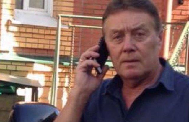 «Предупредительный делаю в воздух»: житель Томска вышел с пистолетом на коммунальщиков