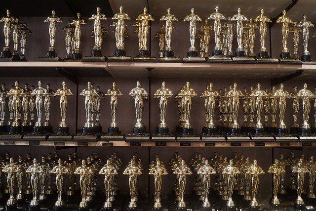 Оскар-2020: выступление Эминема, триумф корейского кино и награда Брэда Питта