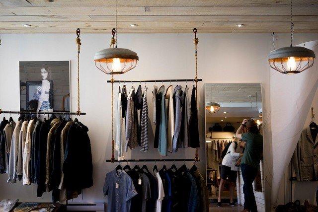 Цены на одежду могут вырасти на 20-40% из-за коронавируса
