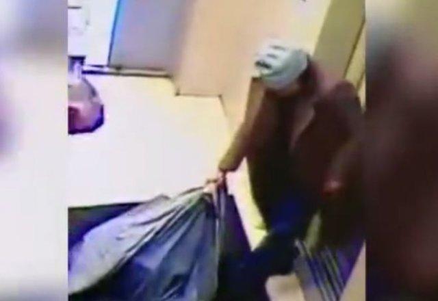 «Красотка» с сайта знакомств обворовала пенсионера, украв у него сейф с 3 миллионами