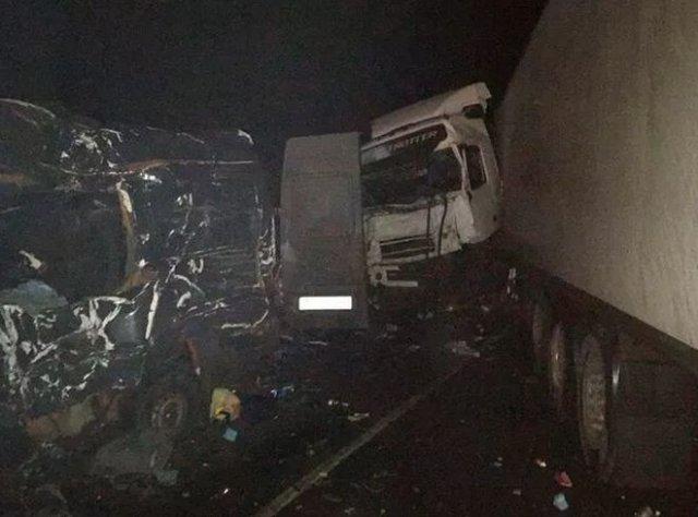 В серьезном ДТП в Псковской области погибли 8 человек