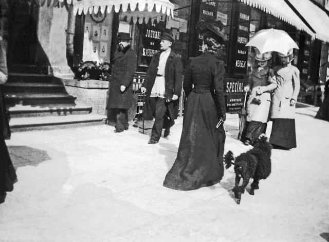 Люди на улицах Петербурга в начале 20 века