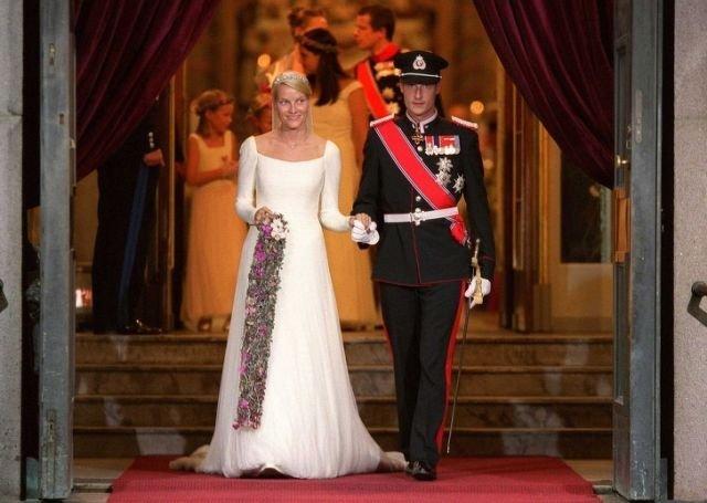 фото могли ли короли жениться по любви установке светоотверждающей пломбы