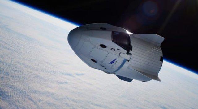 SpaceX отправит туристов в космос