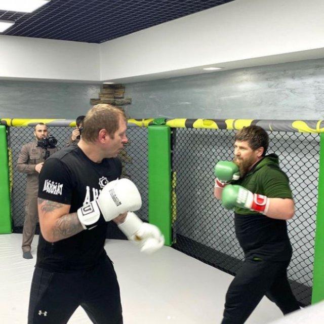 Александр Емельяненко встретился на ринге с Рамзаном Кадыровым