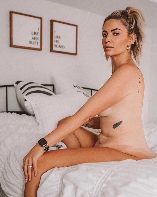 Мать троих детей Сара Николь Лэндри решила показать, как выглядит ее тело без фотошопа