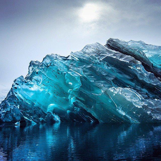 Перевернувшийся айсберг