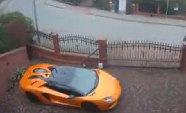 Из зависти расцарапал новенький Lamborghini