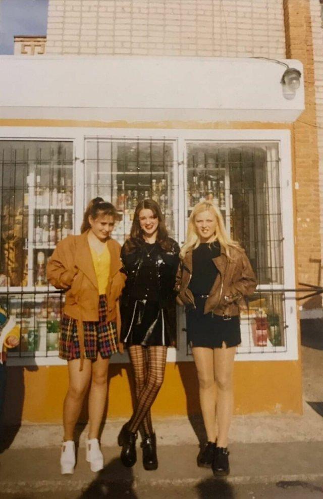 Девушки из 1990-х