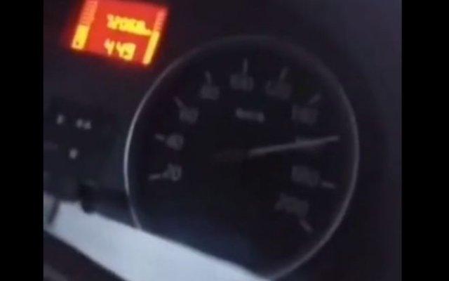 отпускать руль на 160 км/ч - это плохая идея