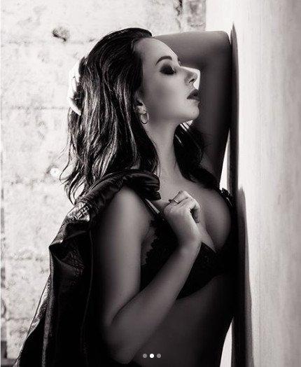 Елизавета Туктамышева в черном нижнем белье